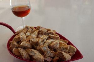 Rupestre menu: cantucci and passito